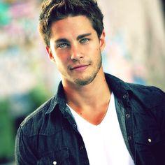 Dean Geyer <3.....gorgeous eyes