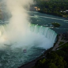 Niagara falls is an attraction that offers something for the whole family. Here are 5 things to do on a multigenerational trip to Niagara Falls.