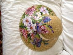 #Cappello in paglia dipinto a mano da Ivana Magri www.ivanamagri.it ivanamagri@ivanamagri.it Painted Hats, Hand Painted, Hat Decoration, Fancy Hats, Summer Hats, Fabric Painting, Hobbies And Crafts, Hair Pieces, Caps Hats