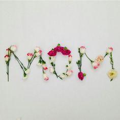 Flowers for mom. Flower Words, Flower Letters, Flower Quotes, Flower Frame, Flower Art, Flower Wallpaper, Iphone Wallpaper, Love Flowers, Beautiful Flowers