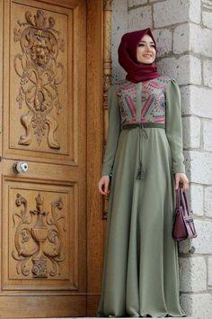 20 Ways to Wear Silk Hijab Moslem Fashion, Arab Fashion, Islamic Fashion, Modest Fashion, Fashion Dresses, Fashion Muslimah, Hijab Mode, Muslim Dress, Hijab Chic