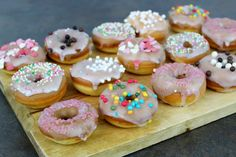 Donuts mit Streuseln_bunte Donuts_Donuts selbst machen_Rezept Donuts_Floral Heart