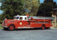 1959 Pirsch 75' areal truck....