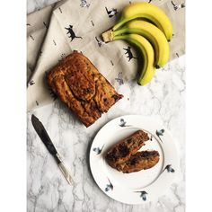 Everyone enjoys a yummy banana bread, try this gluten and dairy free nutritionist approved version. Dairy Free Banana Bread, Dairy Free Chocolate Chips, Melting Chocolate Chips, Gluten Free Oats, Gluten Free Flour, Banana Bread Ingredients, Dairy Free Milk, Coconut Sugar, Almond Flour