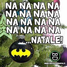 Buon Natale a tutti voi!🎅🏻 🔴 Seguici su youtube/bastardidentro #bastardidentro #batman #Natale www.bastardidentro.it