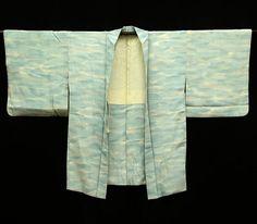 Hey, I found this really awesome Etsy listing at https://www.etsy.com/listing/520234770/japanese-kimono-vintage-silk-kimono