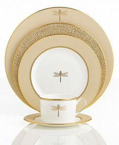 Kate Spade china - New York 'June Lane Gold' Dragonfly Dinnerware Collection <> Gorgeous! Dinnerware Sets, China Dinnerware, Modern Dinnerware, Restauration Hardware, Dinner Sets, China Patterns, Place Settings, Table Settings, Fine China