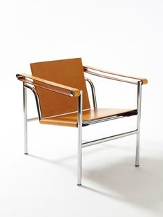 Basculant LC1 chair. Designed by Le Corbusier for Cassina in 1928. #brutalism