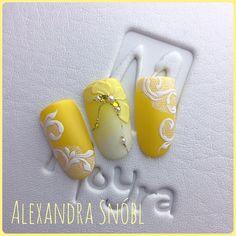 "Polubienia: 372, komentarze: 2 – Alexandra Snóbl (@alexandrasnobl) na Instagramie: ""#moyra #moyragels #moyrastamping #3dgel #plastiline #summernails #yellow #alexandrasnobl…"""