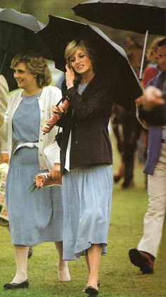 1983-04-03 Diana attends a polo match with her lady-in-waiting, Anne Beckwith Smith, at Warwick Farm in Sydney to watch Charles play