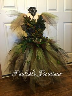 Arbor day dress by PaulaLuBoutique on Etsy Prom Dress Shopping, Online Dress Shopping, Fleur Design, Mannequin Art, Fantasy Costumes, Fairy Costumes, Halloween Costumes, Witch Costumes, Christmas Costumes