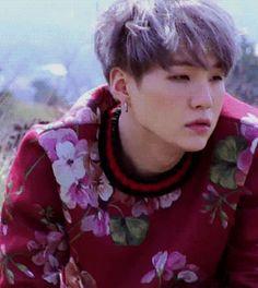 🌸🌸🌸 Min Yoon Gi (민윤기), aka Suga o Agust D, es un rapero, composito… # Fanfic # amreading # books # wattpad Namjoon, Min Yoongi Bts, Taehyung, Min Suga, Bts Jungkook, Hoseok, Seokjin, Suga Gif, Daegu