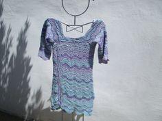mini robe vagues pastel au crochet Pastel, Feminine, Tunic, Silk, Crochet, Sleeves, Ocean Waves, World, Blue