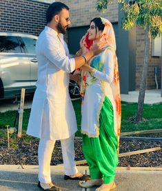 Cute Couple Shirts, Cute Couple Poses, Couple Photoshoot Poses, Couple Posing, Cute Couples, Pre Wedding Poses, Wedding Couple Poses Photography, Pre Wedding Photoshoot, Punjabi Wedding Couple