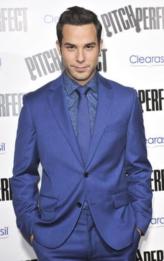 Skylar Astin.....I'll get a movie-cation from him anyday! He'll bring Rocky, I'll bring the juice pouches....and then I will tell him he's a dork at the end and have a pitch perfect ending. The endings are always the best part right? ;-)