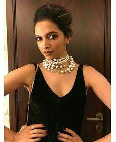 Deepika Padukone http://luckybro.com/