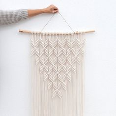 Dimensions wood: W 70 cm Macrame: W 52 cm x H … Hanging handmade macrame wall. Dimensions wood: W 70 cm macrame: W 52 cm x H 120 cm (without hanging cord) Materials cotton rope mm thick) pine … Macrame Wall Hanging Patterns, Macrame Art, Macrame Design, Macrame Projects, Macrame Knots, Macrame Wall Hangings, Macrame Modern, Free Macrame Patterns, Art Macramé
