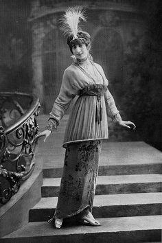 Les Modes (Paris) 1914 Robe de Bal par Laferriere. Copying the famous Sorbet dress by Poiret.