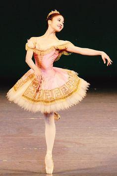 Madoka Sugai / Ballet dancer. She which won the championship in Prix de Lausanne of 2012.