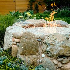 A beach-inspired backyard firepit