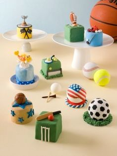 The are mini cakes for men from Fun and Original Cakes for Men