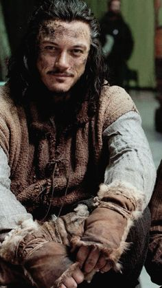 Bard the Bowman. Did anyone else see him and think he looks like Will Turner in PotC? I actually thought Orlando Bloom played two characters until the credits...