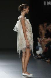 Ying Gao - Pasarela Ying Gao, Vogue, Dresses, Fashion, New York Fashion, Walkway, Spring Summer, Vestidos, Moda