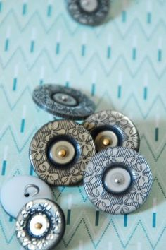 56-4706-G2 | The Button Company
