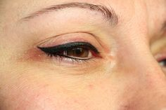 Thick black latino eyeliner permanent make up