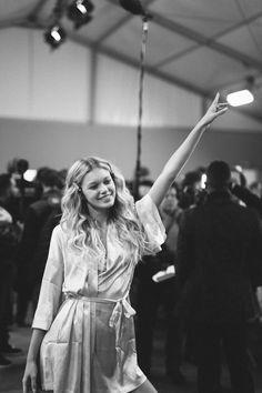 Maggie Laine en backstage du défilé Victoria's Secret 2016