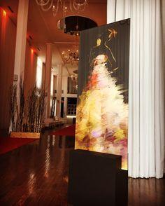 Making an Artful lobby. Art by Adlan Kaezar #homeliving #homeinspiration #interiordesigner #art #design #Interiordecor #Interiordesigners #homeblogger #interiorandhome #interiorinspiration #decor #decoration #deco #deiNERI #standART #deiNERIart #deiNERIstandart