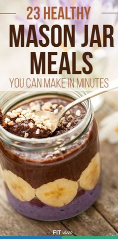 Here are 23 healthy and easy mason jar meals you can make in minutes. Great to make lunch, breakfast recipes. Make these ahead of your trip for cheap meal planning. (health snacks for work) Mason Jar Meals, Meals In A Jar, Mason Jars, Salad In Mason Jar, Mason Jar Recipes, Mason Jar Smoothie, Mason Jar Lunch, Cheap Meal Plans, Meal Prep Cheap
