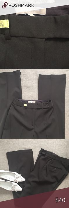 Michael Kors brown Trouser Beautiful Michael Kors trouser in brown excellent condition. High waist 25 inches, inseam 32 inches flare leg 9 3/4 inches across bottom. Made in Italy Michael Kors Pants Trousers