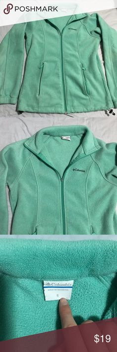 Mint Green Teal Columbia zip up fleece sweatshirt Columbia zip up fleece! It is mint green/Teal in color. Size small. The zipper pulley is broken but it still zips and works perfectly! Barely noticeable. Otherwise great condition! Smoke and pet free home. Columbia Tops Sweatshirts & Hoodies