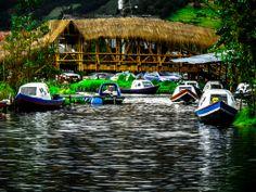 LAGUNA DE LA COCHA, CORREGIMIENTO DE EL ENCANO, NARIÑO, COLOMBIA - Lanchas en el embarcadero El Puerto, de la Laguna de la Cocha... (FOTO POR FRANCISCO08)