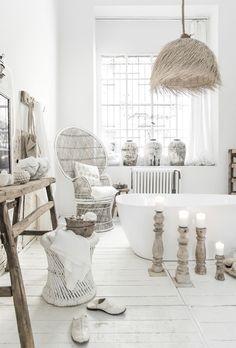 Cozy Rattan Furniture, Vintage Interior Design, Top Bathroom Design, Boho Interior, Contemporary Interior Design, Scandinavian Interior Style, Grey Interior Doors, Boho Bathroom, Boho Interior Design