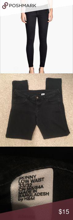 H&M Skinny Low Waist Black Denim Jeans Stretchy Denim material. Some wash wear. H&M Jeans Skinny