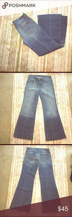 7 FAM GUC, wide leg, rise 9, inseam 30, length 39.5, some wear on both back legs, please see photo. 7 For All Mankind Jeans Flare & Wide Leg