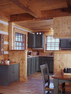 Rustikale Colorado Cottage Fotos von Hearthstone Log Homes - Blockhaus Küche Log Cabin Living, Small Log Cabin, Log Cabin Homes, Small Cabin Decor, Rustic Cabin Kitchens, Log Home Kitchens, Rustic Kitchen, Rustic Cottage, Knotty Pine Kitchen