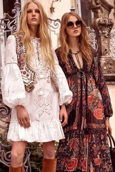 Boho Look | Bohemian hippie chic bohème vibe gypsy fashion indie folk the 70s festival style Coachella fashion Roberto Cavali