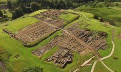 The fourth-century stone fort of Vindolanda from the air. Unearthed near Hadrian's Wall: lost secrets of first Roman soldiers to fight the Picts. Dig team stumble across thousands of pristine artefacts at ancient Vindolanda garrison site in Northumberland Roman Britain, Roman History, Uk History, European History, British History, American History, Roman Soldiers, Ancient Rome, Ancient Greece