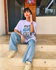 Fashion Poses, Dope Fashion, Girl Outfits, Casual Outfits, Fashion Outfits, Anime Outfits, Estilo Cholo, Jake Long, 2000s Fashion Trends