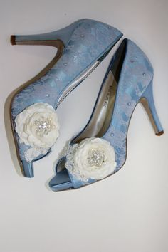 Wedding Shoes *Free dyeing *Free Shipping Satin Shoes Lace Handcrafted Flowers Crystals Pearls COLOR CHOICE: Choose from the color charts http://www.etsy.com/shop/Parisxox?section_id=7067574 HEEL: 3.5 Contact me for more heel sizes and shoe sizes SIZING & WHITE SHOE SERVICE Although we