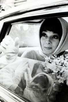British film star Audrey Hepburn married Andrea Dotti a Rome psychiatrist at Morges, Switzerland, Audrey Hepburn was marrying for the second time having been married to Mel Ferrer who she. Golden Age Of Hollywood, Vintage Hollywood, Audrey Hepburn Born, Film Institute, Bride Accessories, British Actresses, Show Photos, Naturally Beautiful, True Beauty