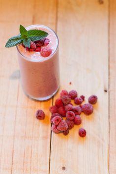 AliCat: Raspberry & Mint Protein Smoothie