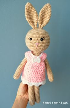 Camelia Minişan: #Iepuras crem cu rochita roz  #crochet  #easter #bunny