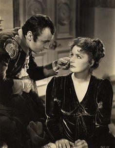 """Charles Boyer y Greta Garbo en """"Maria Walewska"""" (Conquest), 1937"""