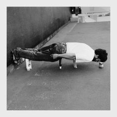 Planking with Erwin Wurm, 2013  Alteration  …•…