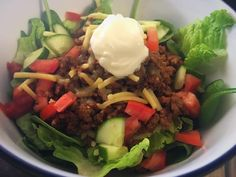 A simple method for your slow cooker mince for those not sure of times etc :) Slow Cooker Mince, Slow Cooker Recipes, Recipe For 4, Healthy Options, Cobb Salad, Taco Mince Recipe, Tacos, Food And Drink, Meals