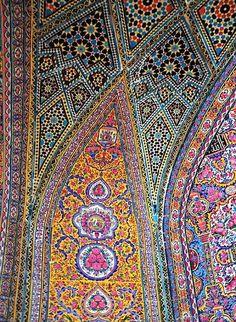 Persian Architecture, Mosque Architecture, Beautiful Architecture, Art And Architecture, Tile Art, Mosaic Art, Mosaic Glass, Mosaic Tiles, Glass Art
